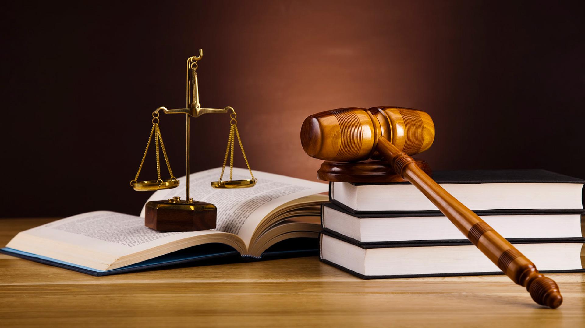 ASSISTENZA E CONSULENZA LEGALE <br >&nbsp;GIUDIZIALE E STRAGIUDIZIALE
